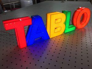 حروف برجسته پلاستیک گلاس لایه لایه